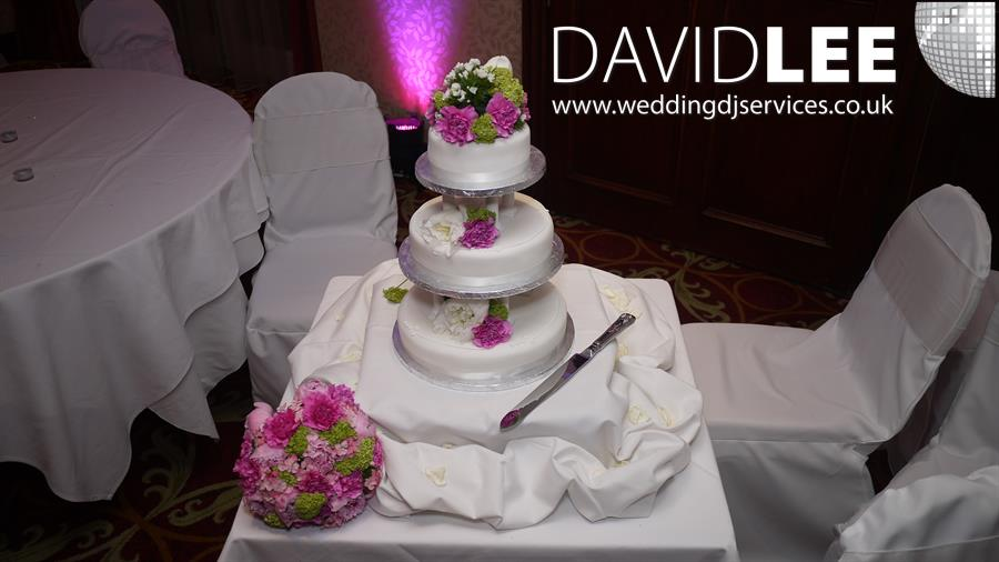 last minute wedding cakes manchester worsley marriott wedding cake and uplighting manchester 16719