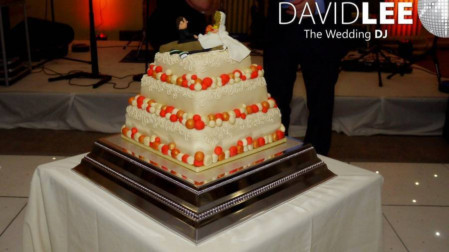 last minute wedding cakes manchester cheadle hulme school wedding manchester wedding dj david 16719